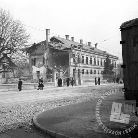 P_305: Tobačna tovarna v Ljubljani, 14. MAREC 1945, Foto: dr. Jakob Prešern.