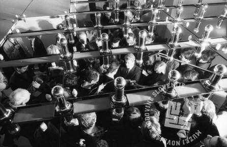 NB713_26: Dogajaje v Cankarjevem domu, 8. april 1990, foto: Nace Bizilj, hrani: MNZS.