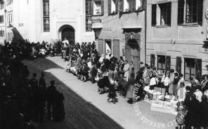 Velika noč - blagoslov v Tržiču leta 1930, foto: neznan.