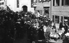 Velika noč - Po blagoslovu v Tržiču leta 1930, foto: neznan.