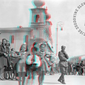 FS2093_1: Manifestacija na Travniku (Piazza della Vittoria) ob prihodu partizanov v Gorico, 3. maj 1945. Foto: Edi Šelhaus. A celebration on Travnik (Piazza della Vittoria) upon the arrival of the Partisans in Gorizia, May 3rd, 1945. Photo: Edi Šelhaus.