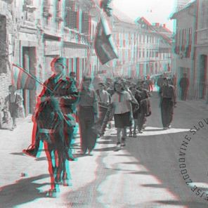 FS2200_2a: Manifestacija mladine v Novem mestu, 8. maj 1945. Foto: avtor ni naveden. A celebration of the youth in Novo Mesto, May 8th, 1945. Photo: the author is not mentioned.