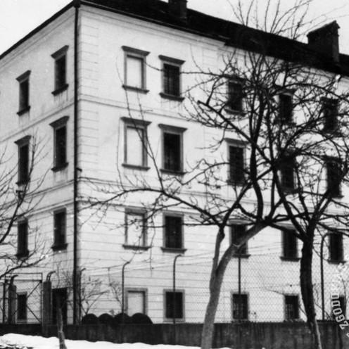 """412: V prizidku gradu si bile tako imenovane """"celice smrti"""", foto: neznan, hrani: MNZS."""