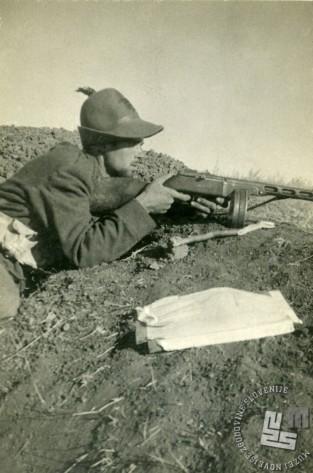 Virgilij Tavčar na položaju na vzhodni fronti, Jagodni (na desnem bregu reke Don), september 1942 (izvirnik hrani Virgilij Tavčar).