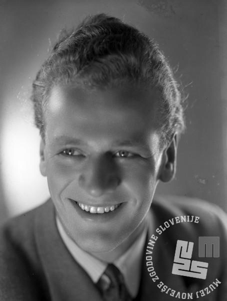 FK_9: Slavko Avsenik, 20. avgust 1948, foto: Franci Kolman, hrani: MNZS.