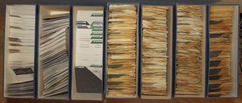Vpogled v dokumentacijo, foto: arhiv MNZS