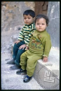 Otroka na otoku Arwad. / Children on the Arwad Island.