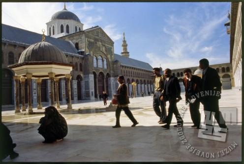 Velika damaščanska mošeja ali mošeja Omajadov v Damasku. / Great or Umayyad Mosque in Damascus.