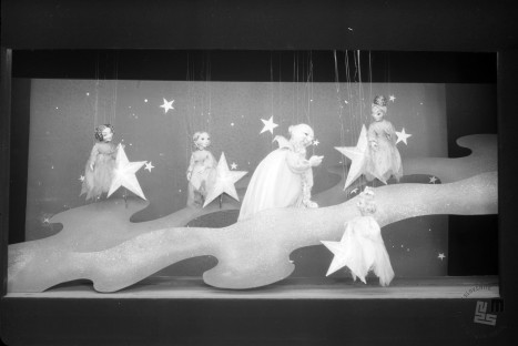 BŠ212_13: Odlomek iz lutkovne igrice Zvezdica zaspanka. Foto: Božo Štajer, hrani: MNZS.