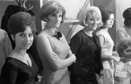 MC651009_23: Z leve Berta Ambrož, Elda Viler in Majda Sepe. Opatija, oktober 1965. Foto: Marjan Ciglič.
