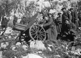 Anton Cizara iz Vipave v italijanski enoti gorske artilerije pred 2. svetovno vojno (hranijo potomci Antona Cizare).
