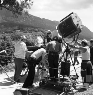 BŠ320_002: Zakulisje snemanja celovečernega filma Tistega lepega dne. Podnanos, 1961.