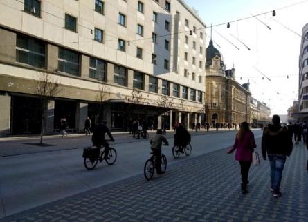 Slovenska cesta danes, december 2015. Foto: Tamara Langus, Turizem Ljubljana.