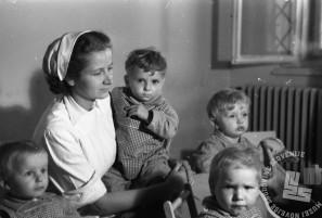FS3817_15a: Otroci v Dečjem dom pod Kalvarijo. Maribor, 7. maj 1947.