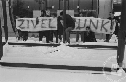 Punk gibanje, 16. 1. 1980, Ljubljana, Foto: Janez Bogataj, fond Janeza Bogataja, hrani MNZS.