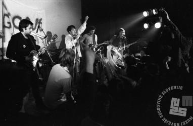 Nastop Pankrtov v ljubljanskem Študentskem naselju, 18. 4. 1980, Foto: Janez Bogataj, fond Janeza Bogataja, hrani MNZS.