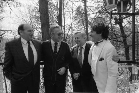 Srečanje kandidatov za predsednika Predsedstva RS. Od leve proti desni: Jože Pučnik, dr. Marko Demšar, Milan Kučan in Ivan Kramberger, 15. 4. 1990, Negova, foto: Nace Bizilj.