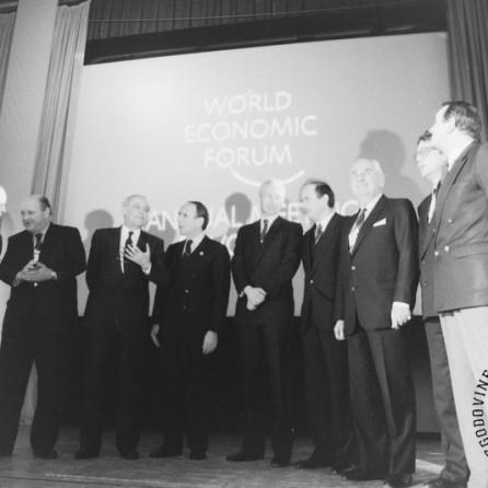 NB957_11: Svetovni gospodarski forum v Davosu, januar / februar 1991. Foto: Nace Bizilj.