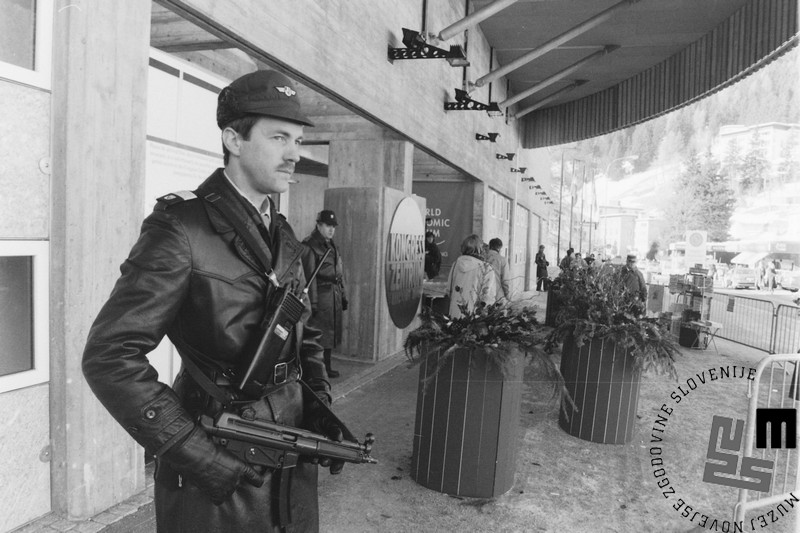 NB959_1: Svetovni gospodarski forum Davos, januar / februar 1991. Foto: Nace Bizilj.