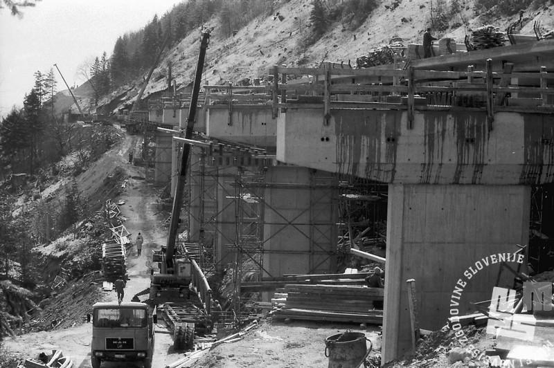MC9103: Marec 1991. Gradnja gorenjske avtoceste. Foto: Marjan Ciglič.