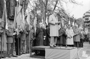 MC9104: Predsednik borčevske organizacije Slovenije Ivan Dolničar med govorom. Foto: Marjan Ciglič.