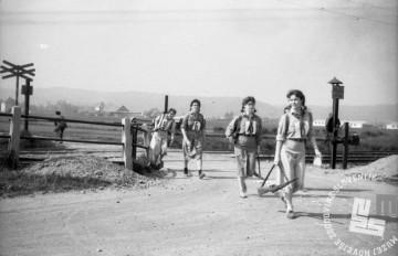 FS7131: Pohod ob žici okupirane Ljubljane. 11. maj 1958. Foto: Cijan Štoka.
