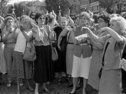 Ženske v Ljubljani demonstrirajo za mir, 4. 7. 1991. Foto Marjan Ciglič, hrani: MNZS.