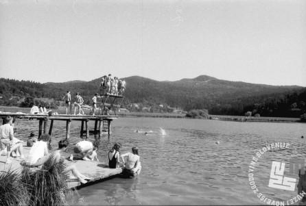MC9106_: Podpeško jezero, junij 1991. Foto: Marjan Ciglič