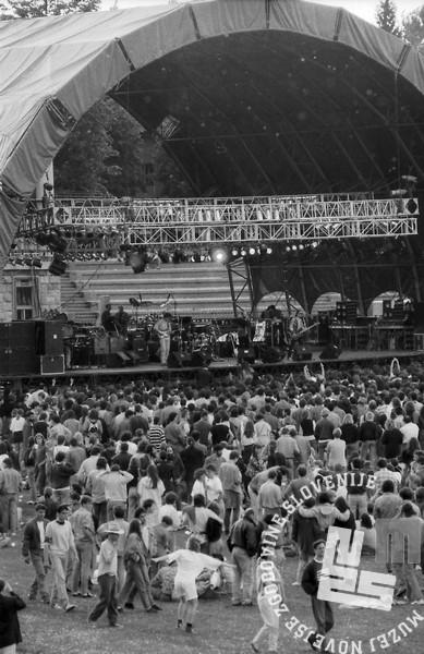 NB9106_14: Koncert Boba Dylana na bežigrajskem stadionu, Ljubljana 10.6.1991. Foto: Nace Bizilj.