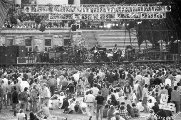 NB9106_19: Koncert Boba Dylana na bežigrajskem stadionu, Ljubljana 10.6.1991. Foto: Nace Bizilj.