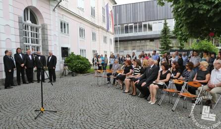 """Otvoritvena slovesnost razstave """"Samostojni !"""" fotografije in fotoreporterji o samostojni Sloveniji in vojni. Foto: Sarah Poženel."""