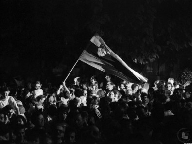 Proslavljanje osamosvojitve v Ljubljani, 26. 6. 1991. Foto Nace Bizilj, hrani: MNZS.