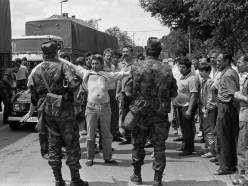 Protest tujih voznikov med Škofljico in Lavrico, 29. 6. 1991. Foto Marjan Ciglič, hrani: MNZS.