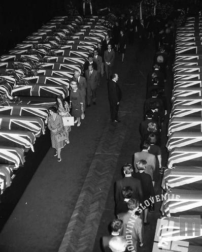 FS1654_19: Komemoracija na Taboru za žrtvami letalske nesreče na Brniku. Ljubljana, 3. september 1966. Foto: Sašo Bernardi.