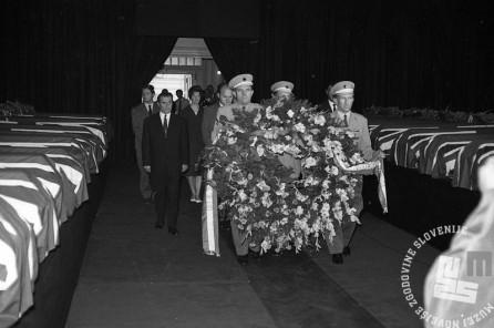 FS1655_9: Komemoracija na Taboru za žrtvami letalske nesreče na Brniku. Ljubljana, 3. september 1966. Foto: Sašo Bernardi.