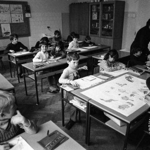 DE5279: Šolski pouk leta 1974. Foto: Svetozar Busić.
