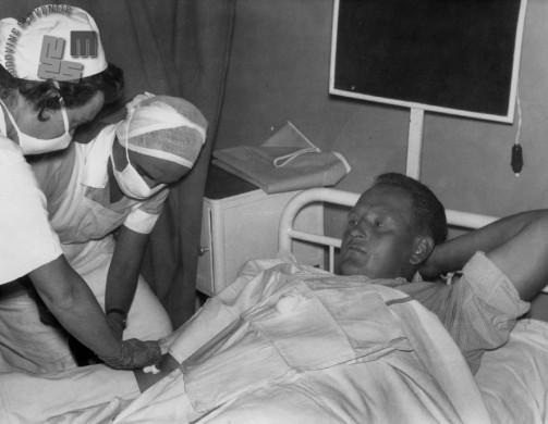 Skrb za bolnika, 1950. leta. Foto: neznan