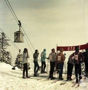 EPC2800_2: Pohorje, februar 1969. Foto: Janez Lapmič.