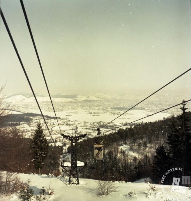 EPC2800_4: Pohorje, februar 1969. Foto: Janez Lapmič.