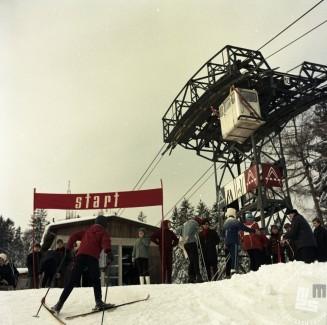 EPC2800_9: Pohorje, februar 1969. Foto: Janez Lapmič.
