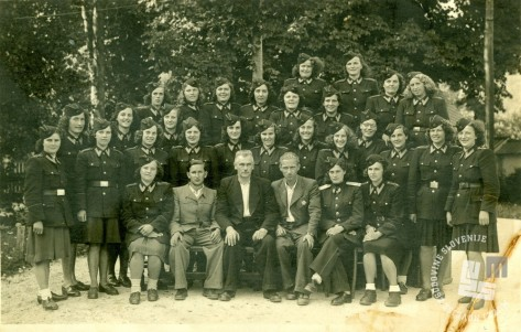 12. Zaposleni KPD Begunje na Gorenjskem septembra 1947. Konec junija 1948 so bili premeščeni na delo v KPD Rajhenburg. Foto: neznan.