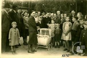 K izgnancem iz Krškega so v taborišče Templin prišli julija 1942 na obisk izgnanci iz taborišča Münchenerg. Oba taborišča sta bila na Brandenburškem. Foto: neznan.