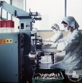 EPC5367: Proizvodnja v tovarni Lek, junij 1978. Foto: neznan.