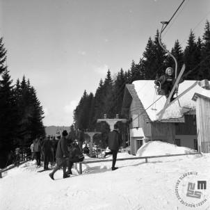 EPT1949_2: Španov vrh v Planini pod Golico nad Jesenicam. Srednja postaja Črni vrh, 1965. Foto: Janez Lampič.