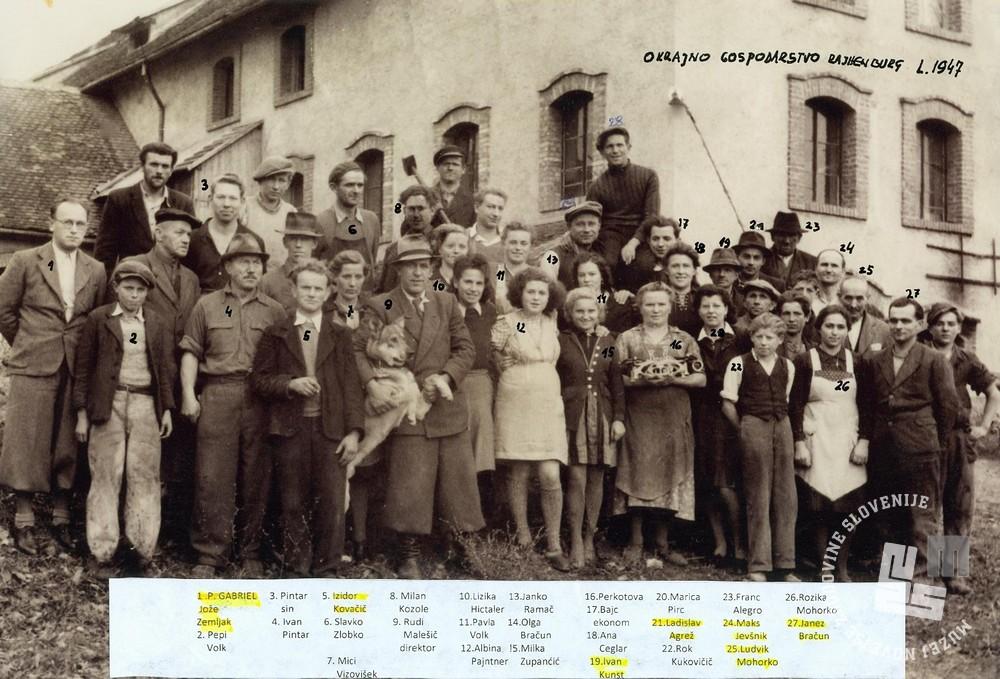 Bivši trapisti zaposleni v Okrajnem gospodarstvu Rajhenburg, med njimi brat Ludvik Mohorko. Foto: neznan, hrani: MNZS.
