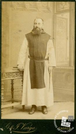 Janez Krstnik Epalle fotografiran v času, ko je bil še prior samostana Rajhenburgu. Opat je postal 1891. Foto: neznan, hrani: MNZS.