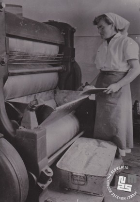V tem stroju se je izdeloval kakav prah, ki so ga trapisti prodajali. Foto: Ivan Krahulec, hrani MNZS.