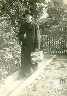P. Krizostom Zemljak po razpustu samostana. Bil je duhovnik v Leskovcu pri Krškem. Foto: neznan, hrani: MNZS.