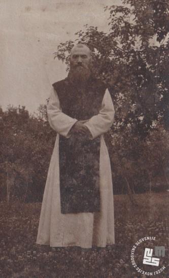 Pater Herman Vodenik, vodja tiskarne samostana trapistov v Rajhenurgu. Last Nete Timer.