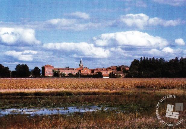 Samostan Notre Dame des Dombes, kjer je Camille Giraud vstopil v samostan. Foto: neznan, hrani: MNZS.